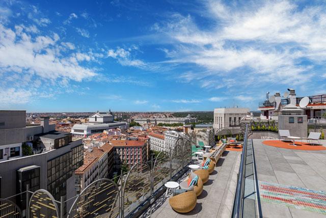 hotel aloft madrid terraza día
